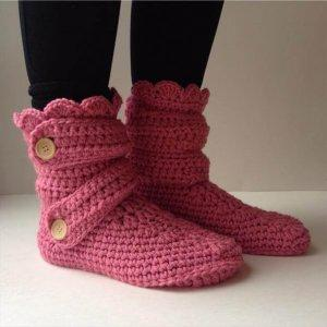 chic women winter slippers from crochet