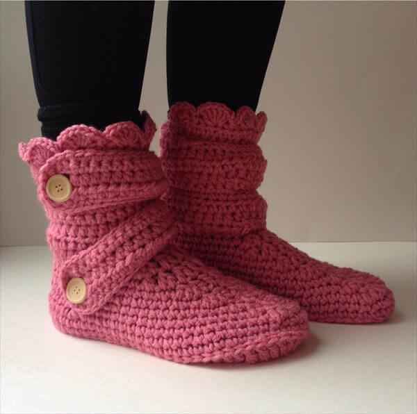chic women winter slippers from crochet