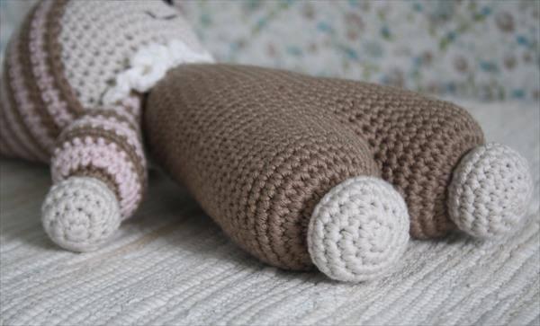 diy crochet cuddly baby