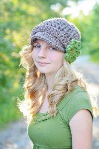 DIY Crochet Brimmed Beanie Hat with Flower