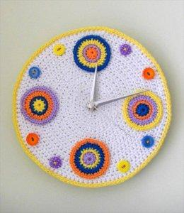 Beautiful Crochet Clock Pattern for Wall