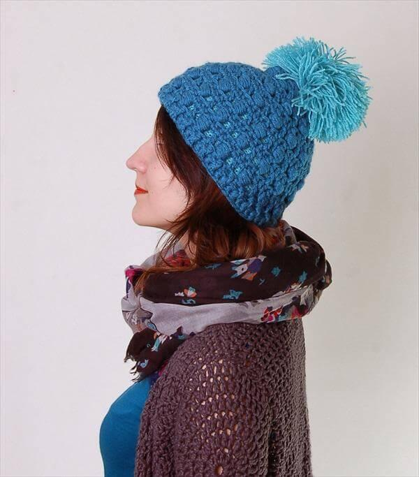 free women crochet pom pom hat pattern
