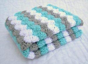 free chic crochet baby blanket