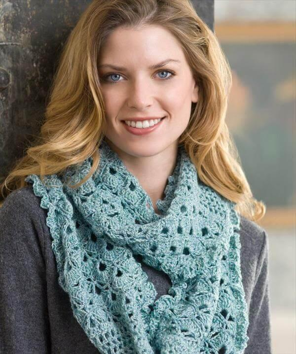 infinity crochet scarf pattern for women