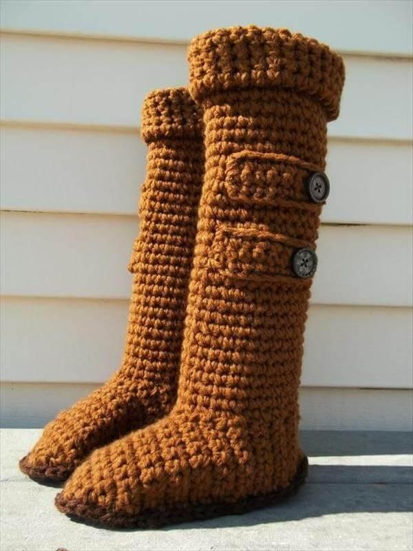 Brown color slipper boots from crochet