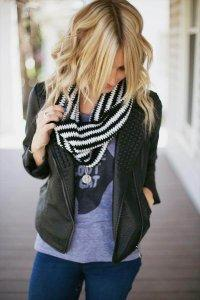 Black and White Crochet Cowl