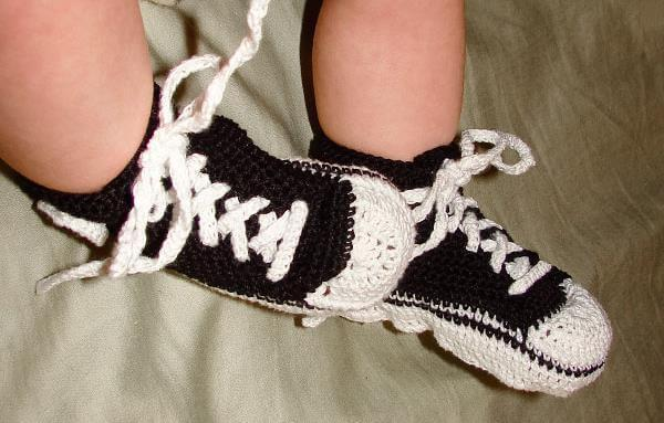 crochet baby converse pattern