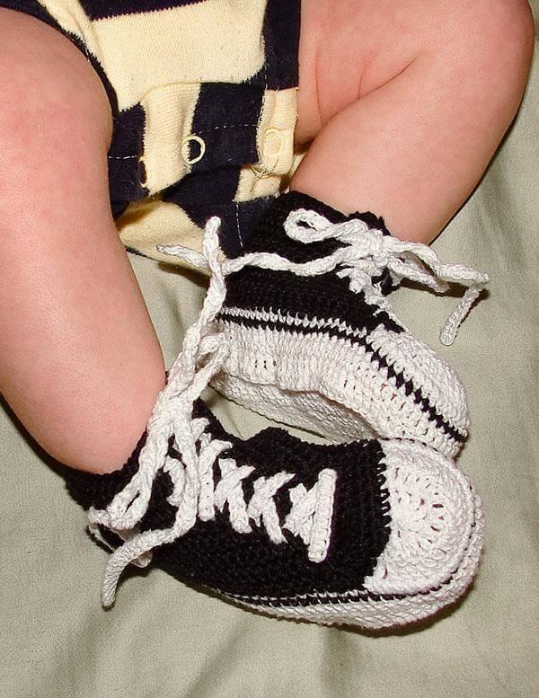 free crochet baby tennis shoes pattern